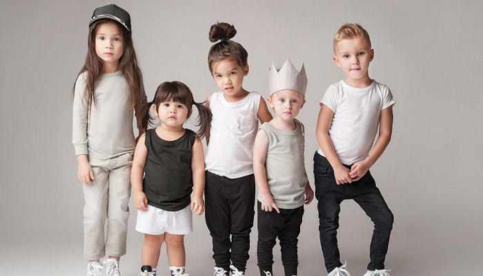 When Parents Choose a Model Agency for Young Ones? - iStorify
