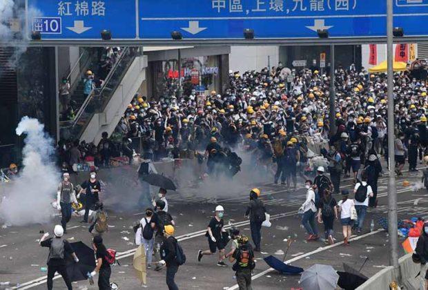 Hong Kong closes government buildings