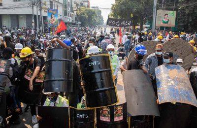 Protestors in Mayanmar